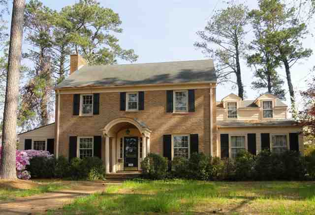 Fabulous Traditional Style Home For Sale In Jacksonville North
